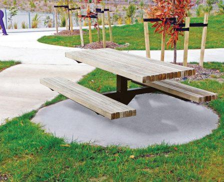 Urban Pedestal table setting