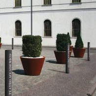Diffusion News Bollard from Urban Effects