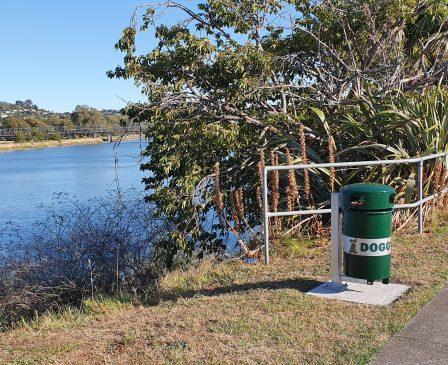 Whanganui River-Doggy Doo Bins (2)